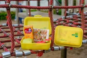 Verteilung der Bio-Brot-Boxen in der Grundschule Ofenerdiek, Lagerstrasse Oldenburg 2015